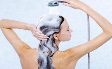3 Shampoo and Salt Hacks For Bouncy and Shiny Hair