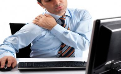 4 Exercises To Cure Shoulder Pain When in Office