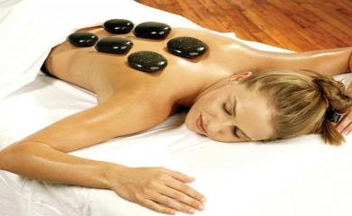 10 Benefits of Stone Massage Therapy