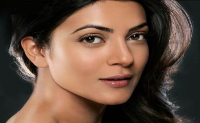 Secret Behind Sushmita Sen's Perfect Impression Look