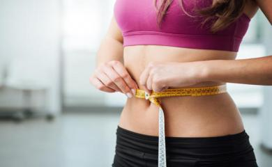 इन आसान एक्सरसाइज और उपायों से झट से करें अपने पेट की चर्बी कम