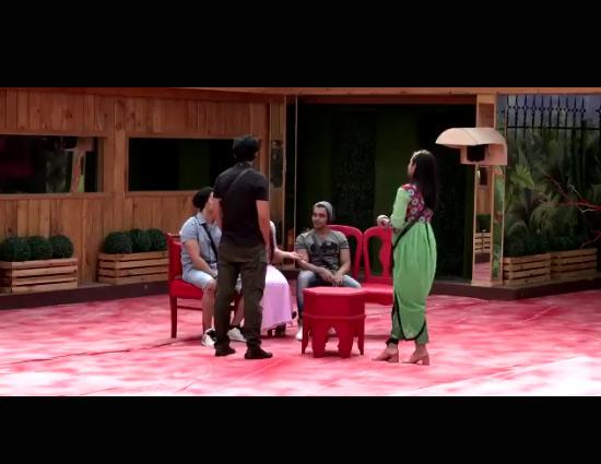 Bigg Boss 11- Arshi Khan is All Set To Take Revenge From Team Shilpa