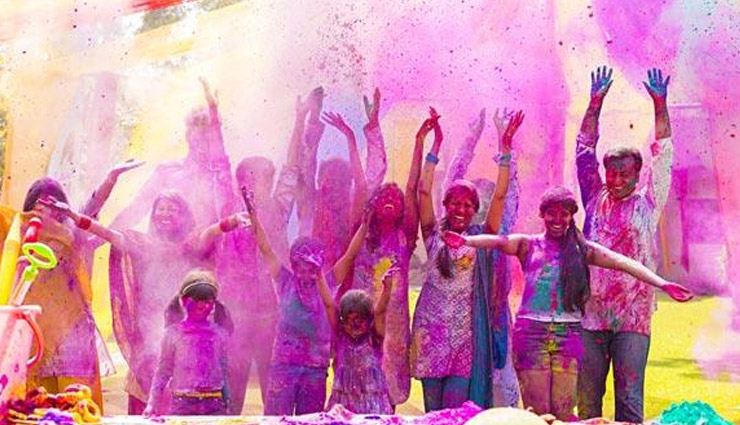 Holi Special- 4 Ways To Clean your House Post Holi
