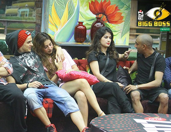 Bigg Boss 11- Priyank Sharma Went Naked in Front of This Female Housemate