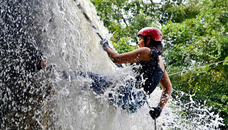 5 Places in India That are Best for Waterfall Rappelling