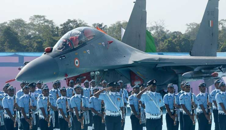 IAF scrambles SU-30s to ward off 4 Pakistan jets