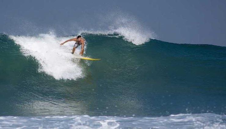 उठाना चाहते है सर्फिंग का आनंद, घूमने के लिए जाए देश की इन 3 जगहों पर