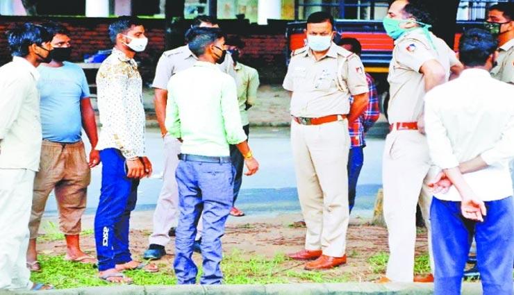 news,latest news,chandigarh news,crime news,fruit vendors,attacked by baseball ,न्यूज़, लेटेस्ट न्यूज़, चंडीगढ़ न्यूज़, क्राइम न्यूज़, फल विक्रेताओं से लूट, बेसबॉल से हमला