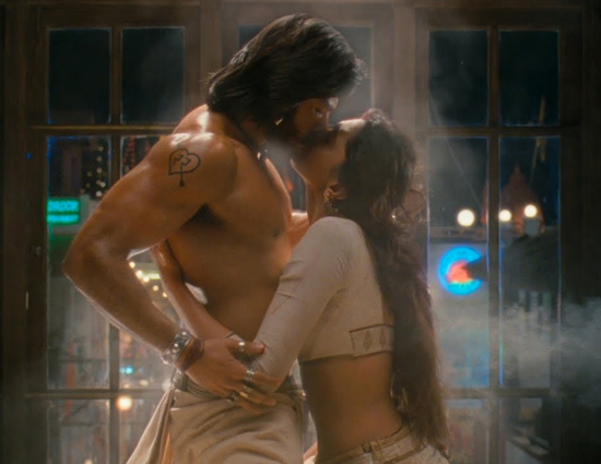 Dimple To Deepika Kissing Scenes That Created The Hotness in AC Cinema Halls