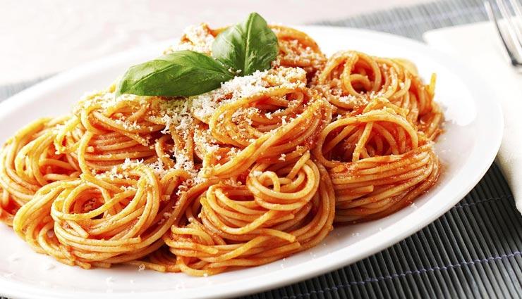 बच्चों के स्पेशल मेन्यु में बनाए इटालियन स्पेगेटी, लजीज स्वाद बना देगा दीवाना #Recipe