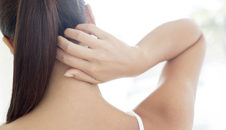 Easy Ways To Treat Itchy Scalp During Monsoon