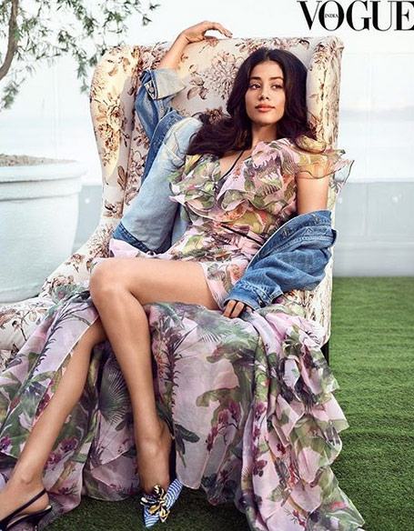 bollywood,jhanvi kapoor,photoshoot,vogue magazine ,बॉलीवुड,जाह्नवी कपूर,जाह्नवी कपूर फोटोशूट