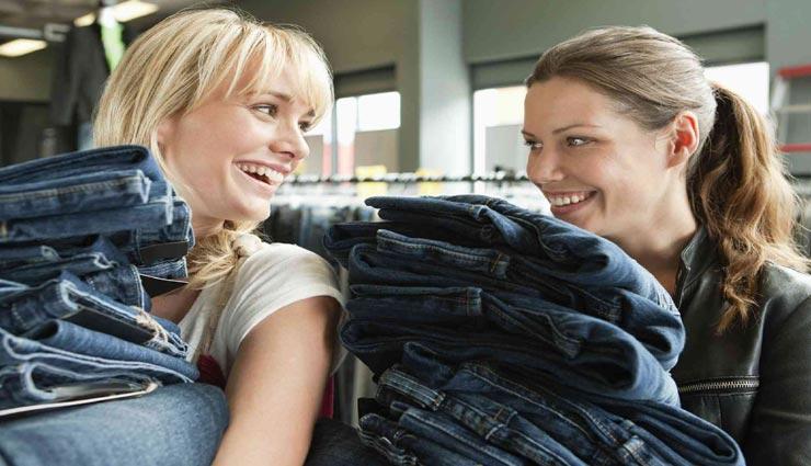 जींस खरीदते समय रखें इन बातों का ध्यान, फैशन के साथ कम्फर्ट भी जरूरी