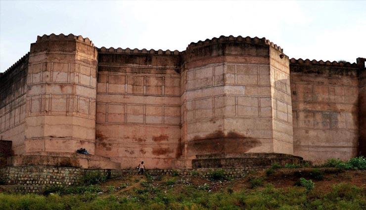 राधा-कृष्ण मंदिर के अलावा भी घूमा जा सकता है मथुरा, इन जगहों के लिए भी प्रसिद्द