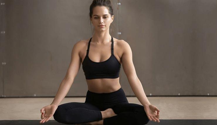 पेट की बढ़ती चर्बी परेशानी का कारण, ये 3 योगासन दिलाएंगे इस पर नियंत्रण