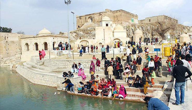 hindu temples,pakistan,katasraj temple,hinglaj mata temple,panchmukhi hanuman mandir,gorakhnath temple peshawar ,पाकिस्तान,हिन्दू मंदिर, पाकिस्तान के हिन्दू मंदिर