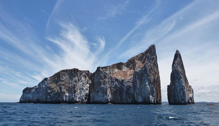 galapagos,tourist destinations in galapagos,kicker rock tour,reserva el chato,las loberias,las tintoreras,charles darwin research center,tourist places,holidays,travel