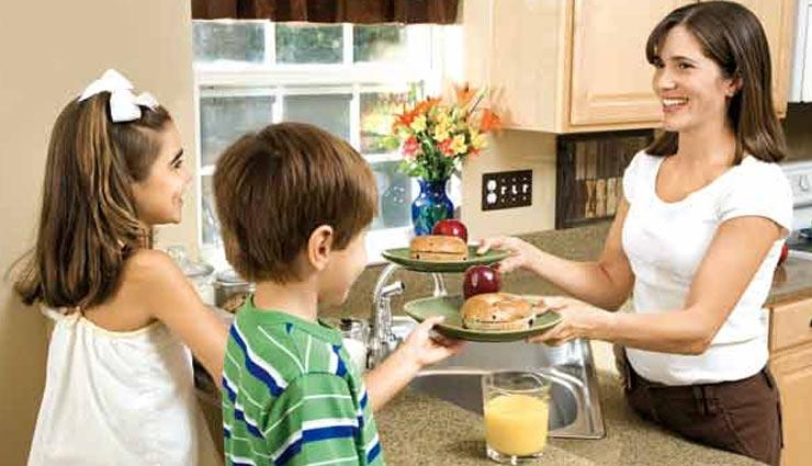 Children's Day : घर के इन नियमों का पालन करना बच्चों के लिए बेहद जरूरी, ताकि संवरें उनका जीवन