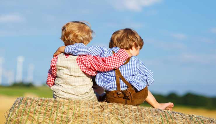 इन टिप्स की मदद से बच्चों को सिखाएं कैसे चुनें अच्छे दोस्त