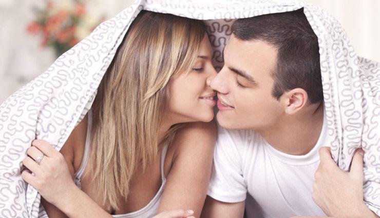 stinking mouth,kiss day,valentine day,valentine week ,वैलेंटाइन वीक,किस डे,मुंह से बदबू आने पर करे ये उपाय