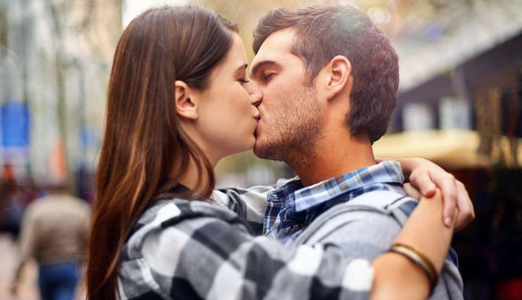 kisses,kisses  to try with partner,intimacy tips