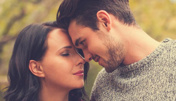 kiss,boyfriend kiss you,tips to get boyfriend kiss you,relationship,relationship tips