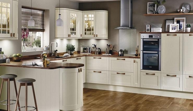 किचन की बदबू दूर करने के 5 शानदार उपाय