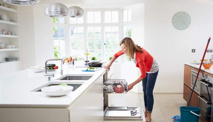 किचन की सफाई करना एक कला,  जरूर रखें इन बातों का ध्यान