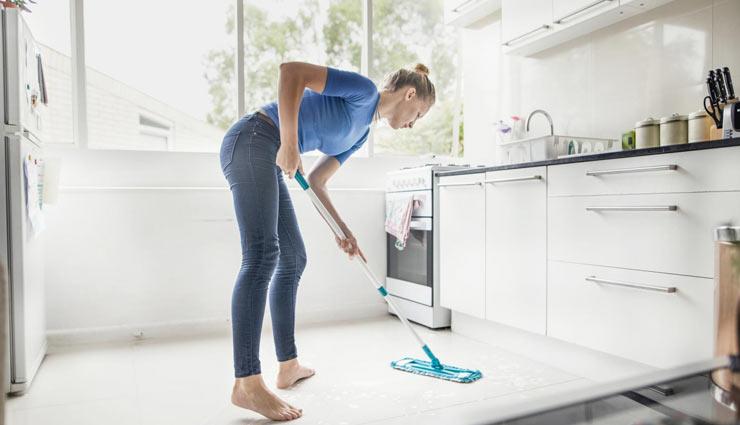 किचन की सफाई को आसान बनाएंगे ये टिप्स, कम मेहनत में होगा सारा काम