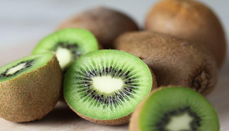 8 Health Benefits of Eating Kiwi Fruits For Kids