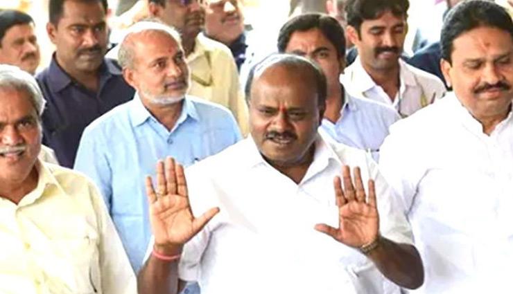 कर्नाटक : मुश्किल में कुमारस्वामी, येदुरप्पा ने बहुमत का दावा किया, सरकार गिरना तय