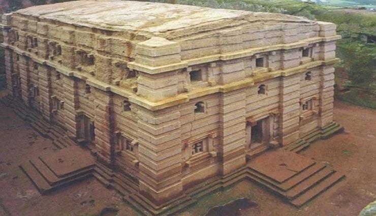 बेहद चौंकाने वाली हैं 800 साल पुराने इन रहस्य्मयीं चर्च की कहानी