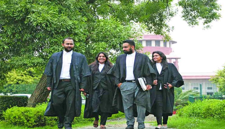 weird reason,weird news,lawyers dress code,black coat and white shirt for lawyers ,अनोखा कारण, अनिखी खबर, ववील की ड्रेस, काला कोट और सफेद शर्ट, वकील के ड्रेसकोड का का कारण