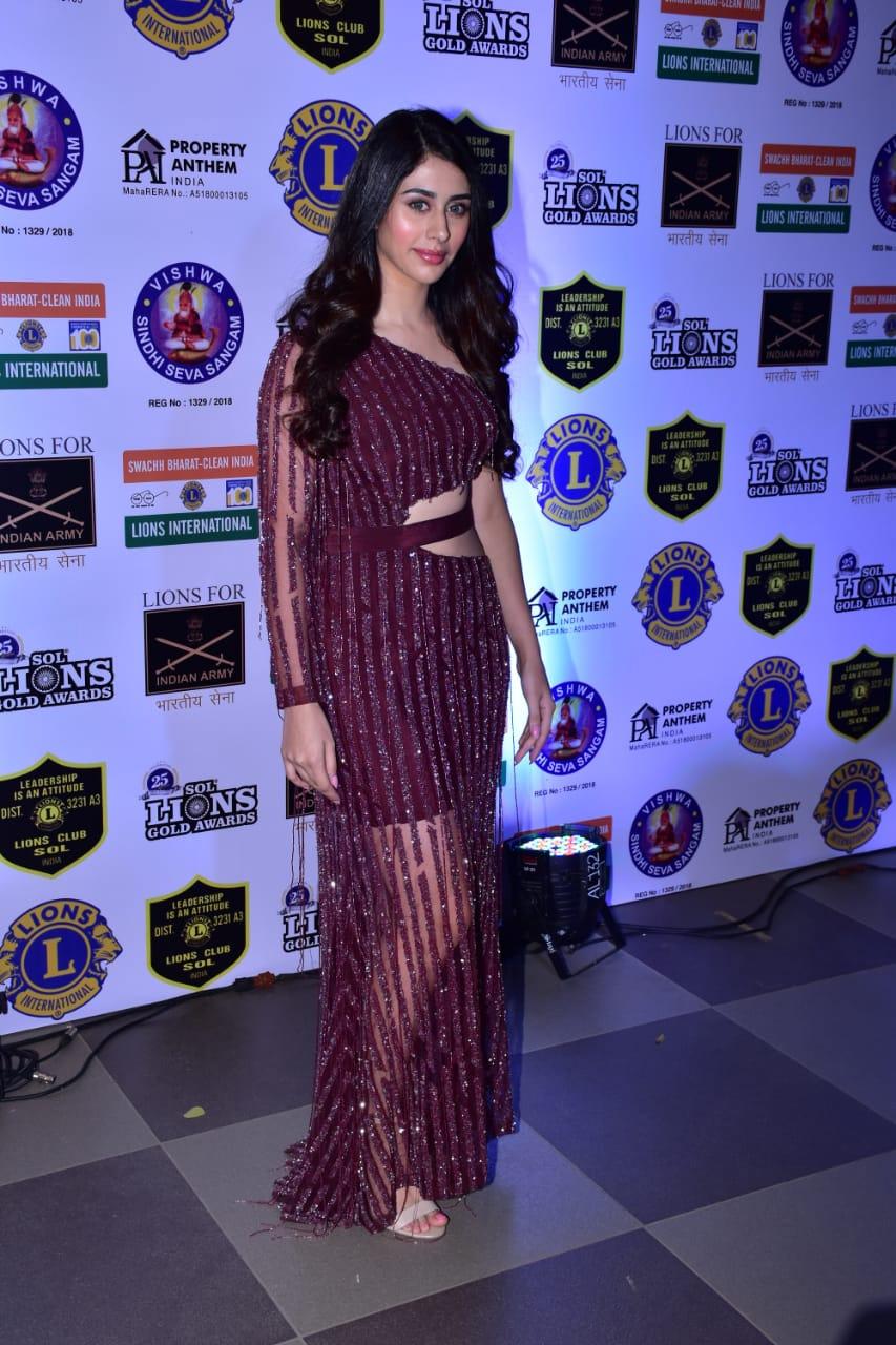 lions gold awards 2019,janhvi kapoor,warina hussain,jennifer winget,entertainment news