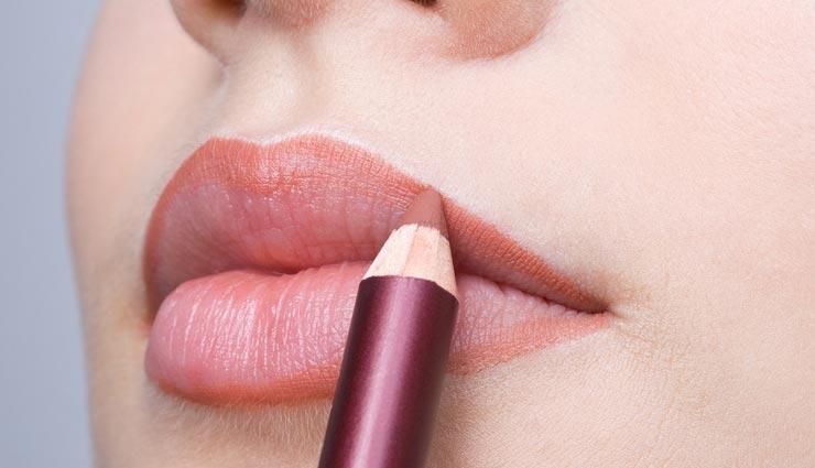 beauty tips,beauty tips in hindi,lips beauty tips,makeup tips,tips to applying lipstick ,ब्यूटी टिप्स, ब्यूटी टिप्स हिंदी में, लिपिस्टिक के ब्यूटी टिप्स, मेकअप टिप्स, लिपिस्टिक लगाने के तरीके