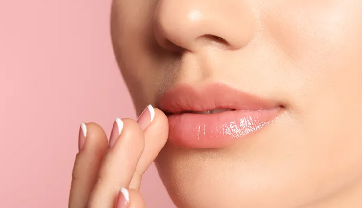 5 Natural Remedies To Care For Your Lips