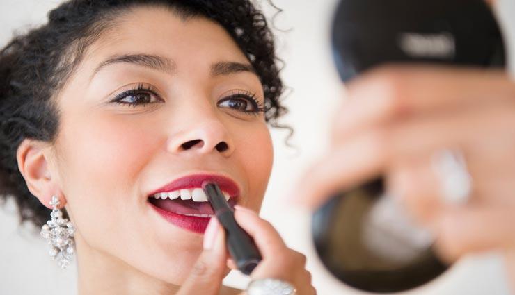 fashion tips,fashion tips in hindi,best lipstick shades,lipstick for perfect look,festive season look ,फैशन टिप्स, फैशन टिप्स हिंदी में, लिपस्टिक के शेड्स, परफेक्ट लुक के लिए लिपस्टिक, फेस्टिव सीजन लुक