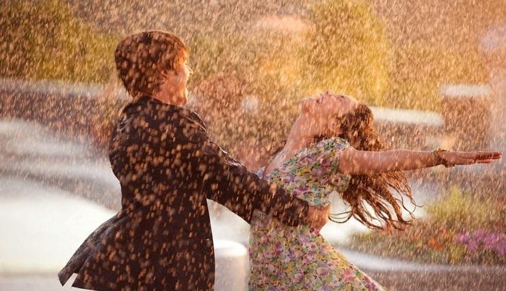 बरसात के इन पलों को बनाए रोमांटिक, करें ये 5 काम