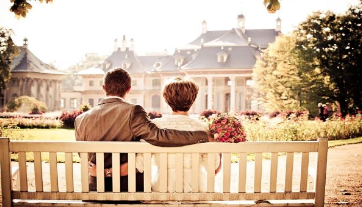मिस्ड कॉल के जरिए हुआ 60 साल की महिला और 20 वर्षीय युवक के बीच प्यार, फिर हुआ कुछ ऐसा जिसने किया हैरान