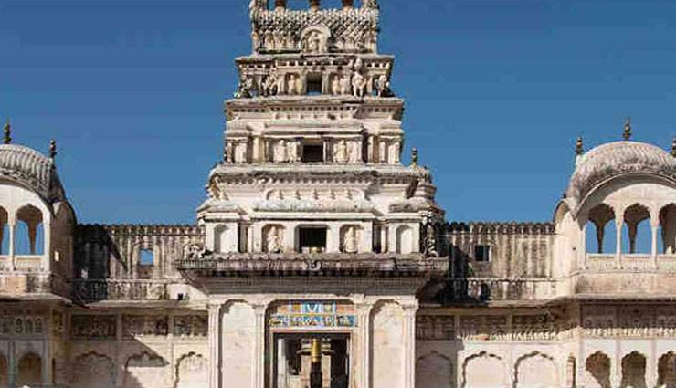 maa saraswati temples,temples in india,gnana saraswati temple,telangana,saraswathi devi sakthipeeth,jammu & kashmir,shringeri sharadamba temple,karnataka,panachikkadu temple,kerala,koothanur saraswati temple,tamil nad