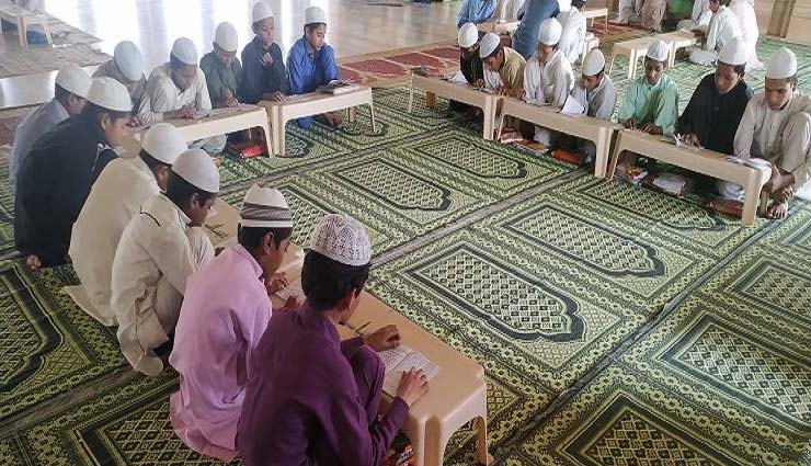 madhya pradesh,bhopal,madarsa,madarsa have a cow shelter,islam,weird news in hindi ,मध्य प्रदेश,भोपाल,इस्लामिक तालीम