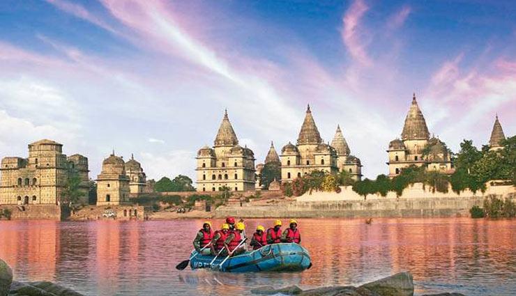 प्राकृतिक संपन्नता से परिपूर्ण है मध्य प्रदेश, जानें यहां के प्रमुख पर्यटन स्थलों के बारे में