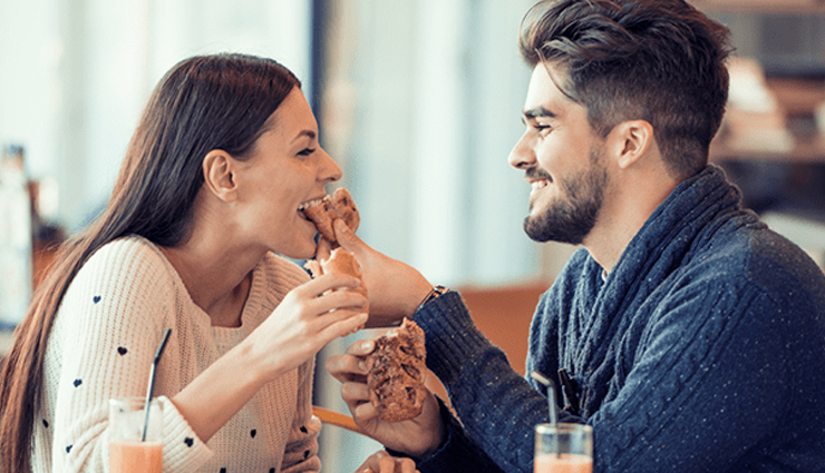 effective tricks that make a man happy,tips to make a man happy,couple tips,relationship tips