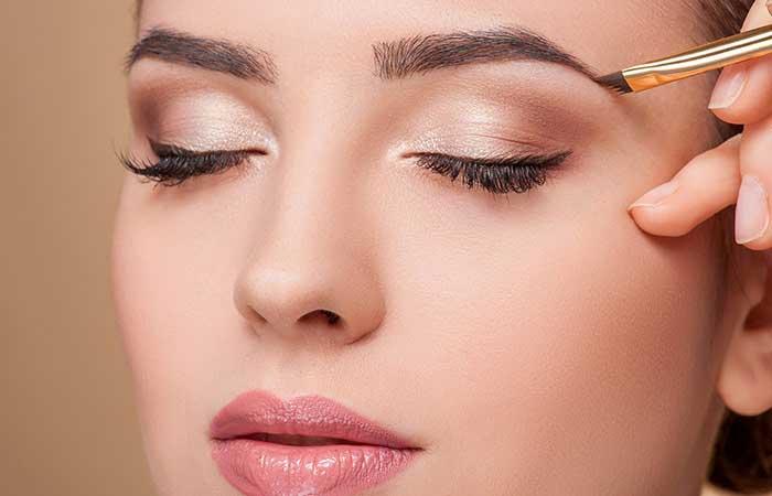 makeup tips,eyes make up,small eyes makeup,beauty tips ,ब्यूटी टिप्स, आँखों का मेकअप, आँखों को बड़ा दिखाना, आई कंसीलर, मस्कारा, आईलाइनर, आईशैडो, लोअर लिड पर न्यूड पेंसिल