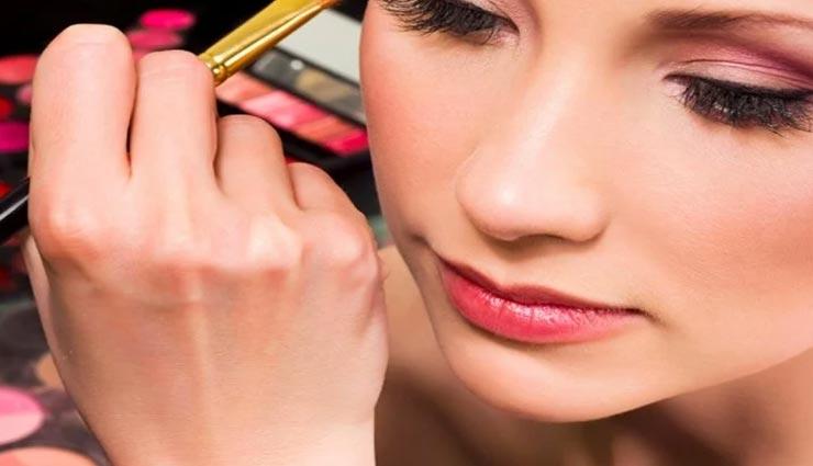 beauty tips,beauty tips in hindi,makeup tips,monsoon makeup tips ,ब्यूटी टिप्स, ब्यूटी टिप्स हिंदी में, मेकअप टिप्स, मानसून मेकअप टिप्स