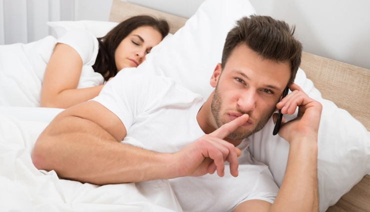 man is cheating on you,cheating in love,love relationship,relationship tips,cheater in relationship