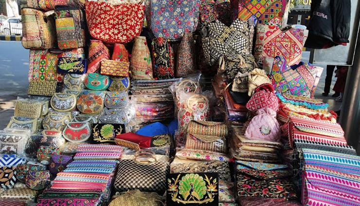 market in delhi,delhi,shopping markets,cheap markets in delhi,delhi,fashion tips,latest fashion trends,sarojini nagar market,palika bazar,janpath,majnu ka tilla
