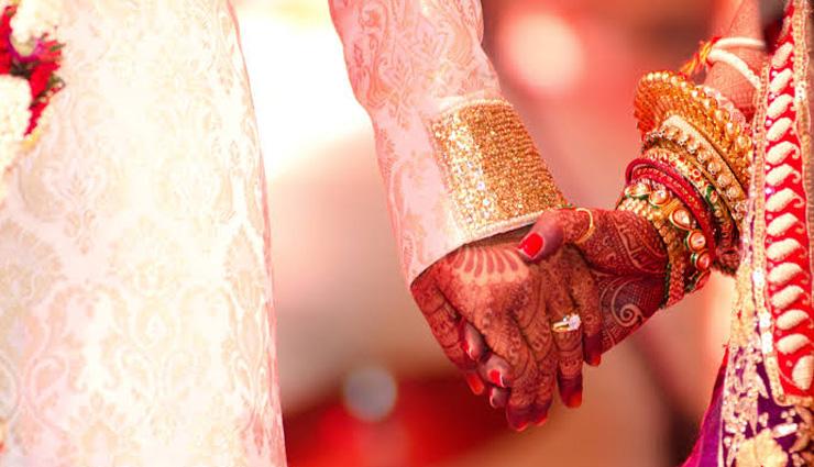 ओडिशा / शादी में टूटे कोरोना प्रोटोकॉल के नियम, दूल्हा-दुल्हन के परिवार पर लगा 50 हजार का जुर्माना