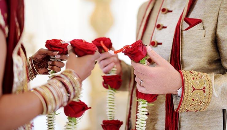 वरमाला के स्टेज पर ही दुल्हन ने दूल्हे से पूछ लिया 2 का पहाड़ा और टूट गई शादी