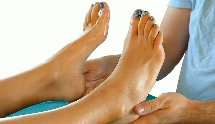 foot massage to overcome 5 problems,foot massage,tips for foot massage,Health tips,healthy living ,पैर की मालिश, हेल्थ टिप्स